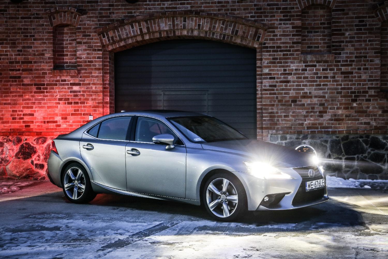 Nasz piękny bolid - Lexus IS200t